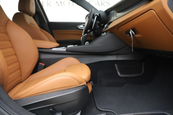 New 2020 Alfa Romeo Giulia Ti Sport Q4 for sale $53,190 at Rolls-Royce Motor Cars Greenwich in Greenwich CT 06830 23