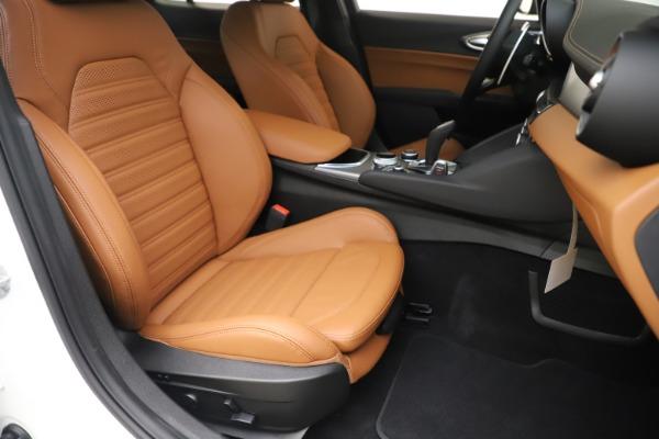 New 2020 Alfa Romeo Giulia Ti Sport Q4 for sale $53,190 at Rolls-Royce Motor Cars Greenwich in Greenwich CT 06830 24