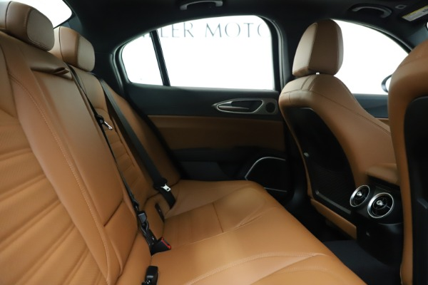 New 2020 Alfa Romeo Giulia Ti Sport Q4 for sale $53,190 at Rolls-Royce Motor Cars Greenwich in Greenwich CT 06830 27