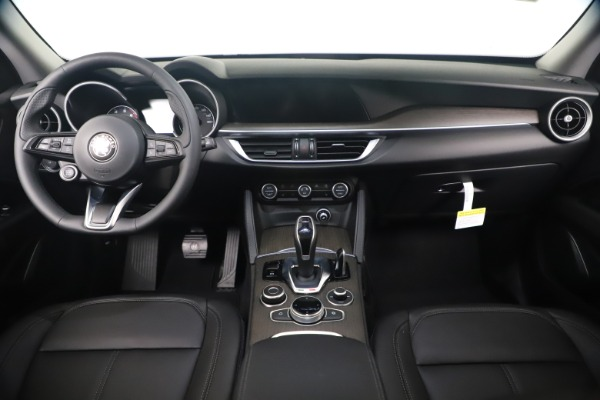 New 2020 Alfa Romeo Stelvio Ti Q4 for sale $54,340 at Rolls-Royce Motor Cars Greenwich in Greenwich CT 06830 16