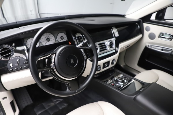Used 2016 Rolls-Royce Ghost for sale $179,900 at Rolls-Royce Motor Cars Greenwich in Greenwich CT 06830 16