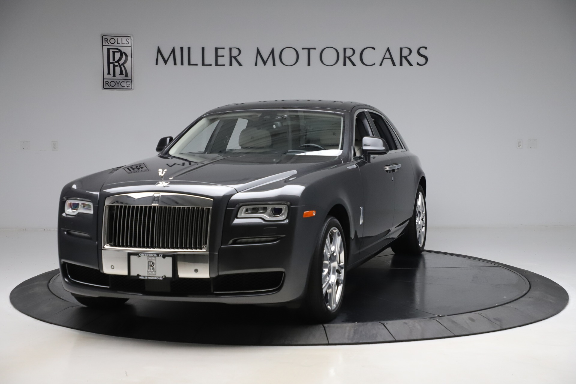 Used 2016 Rolls-Royce Ghost for sale $179,900 at Rolls-Royce Motor Cars Greenwich in Greenwich CT 06830 1