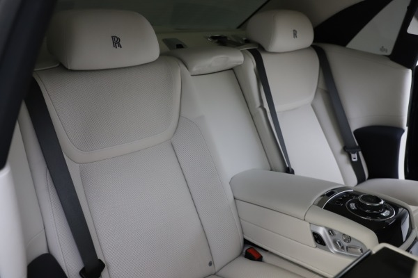 Used 2015 Rolls-Royce Ghost for sale Sold at Rolls-Royce Motor Cars Greenwich in Greenwich CT 06830 18