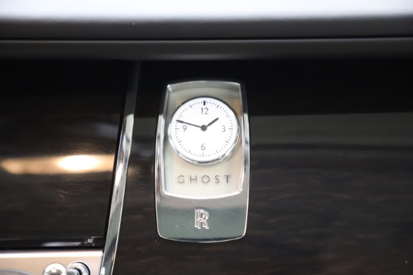 Used 2015 Rolls-Royce Ghost for sale Sold at Rolls-Royce Motor Cars Greenwich in Greenwich CT 06830 24