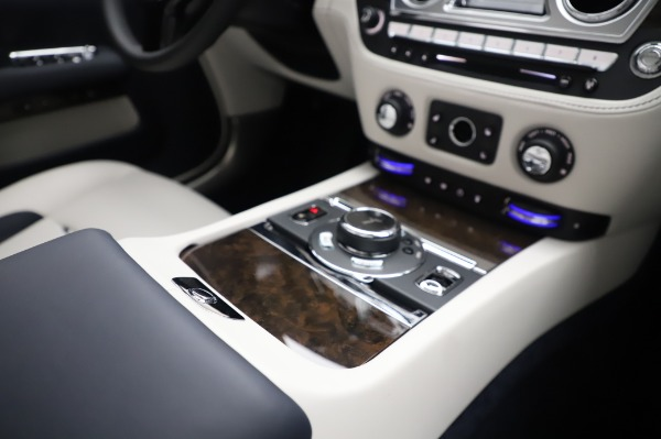 Used 2020 Rolls-Royce Dawn for sale $399,900 at Rolls-Royce Motor Cars Greenwich in Greenwich CT 06830 25