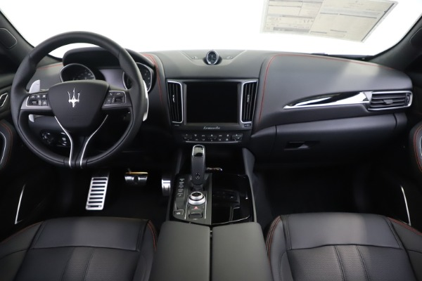 New 2020 Maserati Levante Q4 GranSport for sale $88,885 at Rolls-Royce Motor Cars Greenwich in Greenwich CT 06830 16