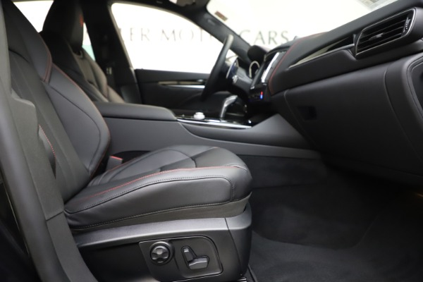 New 2020 Maserati Levante Q4 GranSport for sale $88,885 at Rolls-Royce Motor Cars Greenwich in Greenwich CT 06830 23