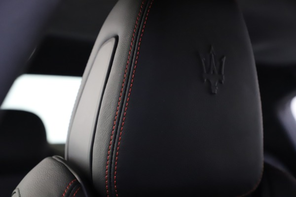 New 2020 Maserati Ghibli S Q4 GranSport for sale $88,285 at Rolls-Royce Motor Cars Greenwich in Greenwich CT 06830 27