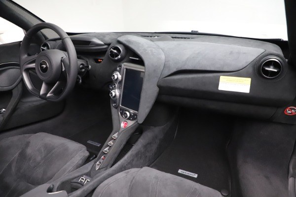 Used 2020 McLaren 720S Spider Convertible for sale $299,900 at Rolls-Royce Motor Cars Greenwich in Greenwich CT 06830 24
