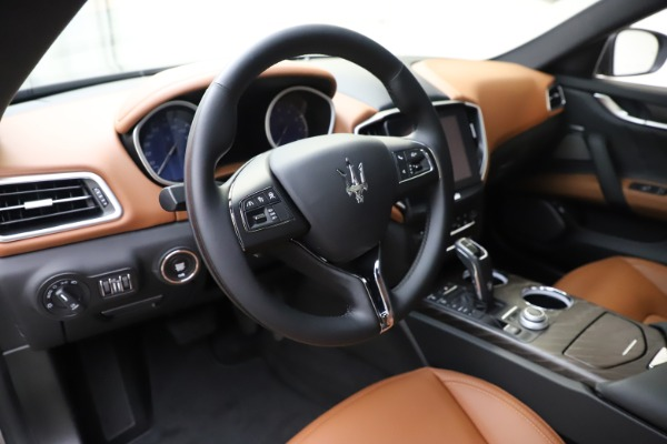 New 2019 Maserati Ghibli S Q4 GranLusso for sale $98,095 at Rolls-Royce Motor Cars Greenwich in Greenwich CT 06830 13