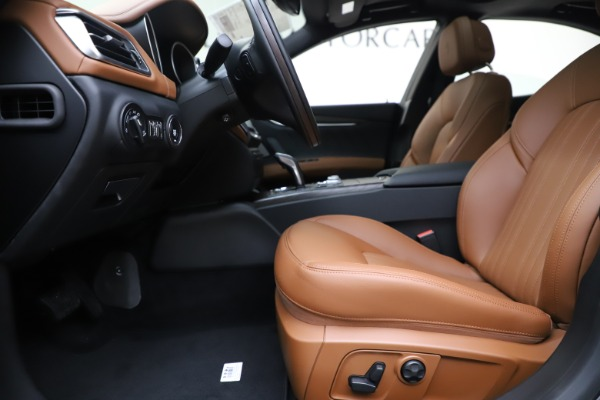 New 2019 Maserati Ghibli S Q4 GranLusso for sale $98,095 at Rolls-Royce Motor Cars Greenwich in Greenwich CT 06830 14