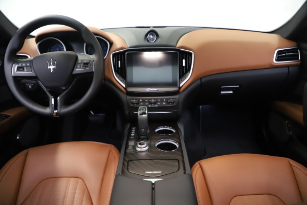 New 2019 Maserati Ghibli S Q4 GranLusso for sale $98,095 at Rolls-Royce Motor Cars Greenwich in Greenwich CT 06830 16