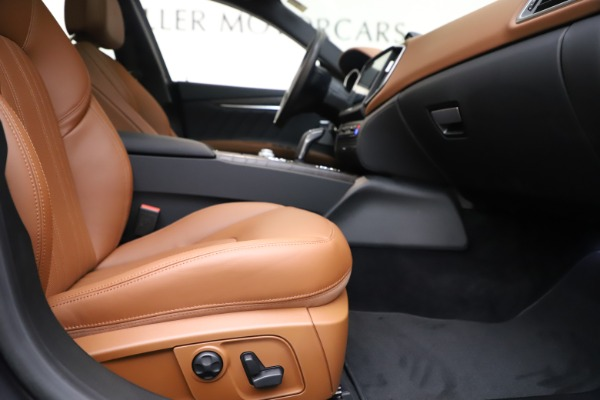 New 2019 Maserati Ghibli S Q4 GranLusso for sale $98,095 at Rolls-Royce Motor Cars Greenwich in Greenwich CT 06830 23