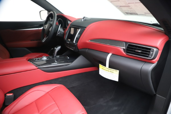 New 2020 Maserati Levante S Q4 GranSport for sale $101,085 at Rolls-Royce Motor Cars Greenwich in Greenwich CT 06830 28
