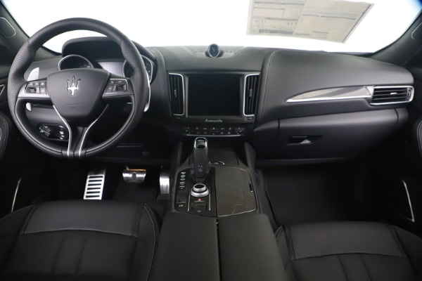New 2020 Maserati Levante S Q4 GranSport for sale $102,285 at Rolls-Royce Motor Cars Greenwich in Greenwich CT 06830 16