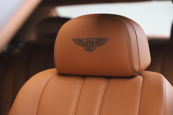 Used 2016 Bentley Flying Spur V8 for sale $114,900 at Rolls-Royce Motor Cars Greenwich in Greenwich CT 06830 20