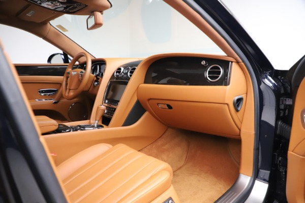 Used 2016 Bentley Flying Spur V8 for sale $114,900 at Rolls-Royce Motor Cars Greenwich in Greenwich CT 06830 22