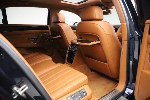 Used 2016 Bentley Flying Spur V8 for sale $114,900 at Rolls-Royce Motor Cars Greenwich in Greenwich CT 06830 25