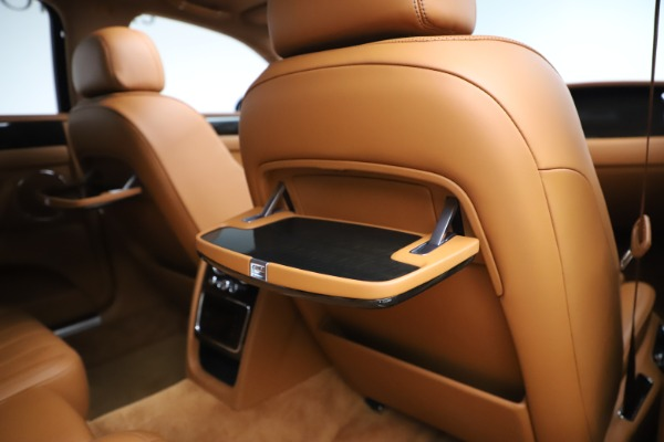 Used 2016 Bentley Flying Spur V8 for sale $114,900 at Rolls-Royce Motor Cars Greenwich in Greenwich CT 06830 28