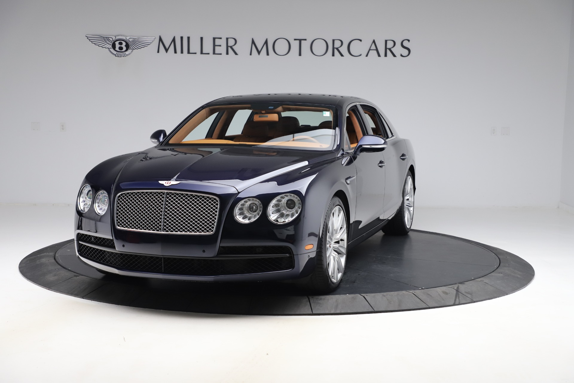 Used 2016 Bentley Flying Spur V8 for sale $114,900 at Rolls-Royce Motor Cars Greenwich in Greenwich CT 06830 1