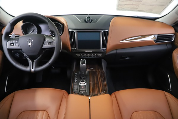 New 2020 Maserati Levante S Q4 GranLusso for sale $83,659 at Rolls-Royce Motor Cars Greenwich in Greenwich CT 06830 16