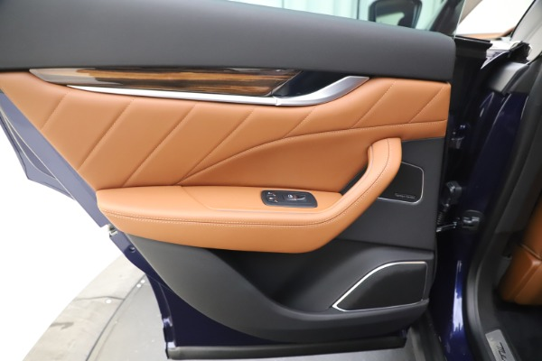 New 2020 Maserati Levante S Q4 GranLusso for sale $83,659 at Rolls-Royce Motor Cars Greenwich in Greenwich CT 06830 21