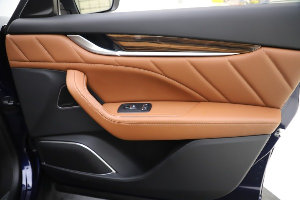 New 2020 Maserati Levante S Q4 GranLusso for sale $83,659 at Rolls-Royce Motor Cars Greenwich in Greenwich CT 06830 25
