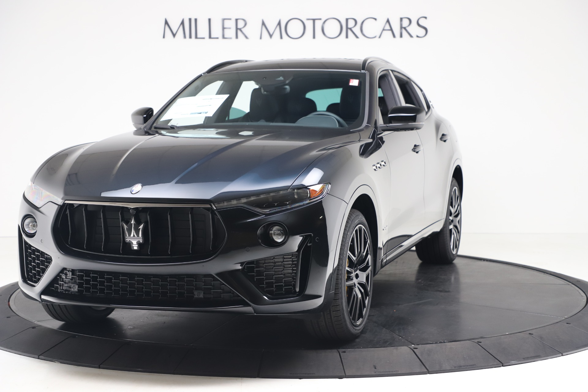New 2020 Maserati Levante S Q4 GranSport for sale $106,585 at Rolls-Royce Motor Cars Greenwich in Greenwich CT 06830 1