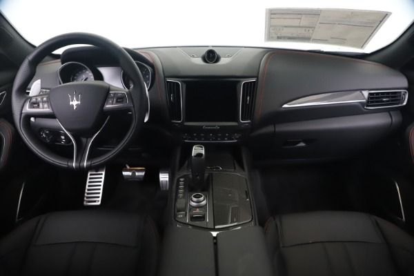 New 2020 Maserati Levante Q4 GranSport for sale Sold at Rolls-Royce Motor Cars Greenwich in Greenwich CT 06830 16
