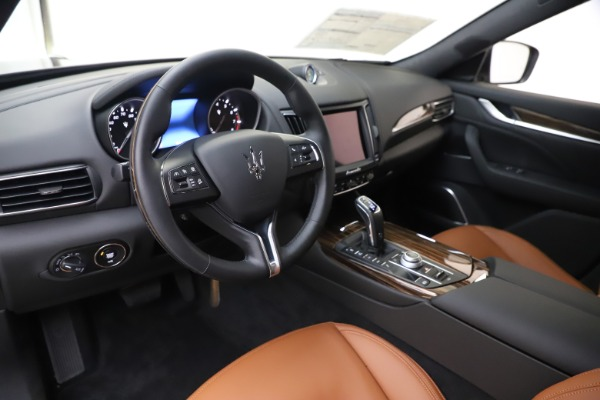 New 2020 Maserati Levante Q4 GranLusso for sale $86,935 at Rolls-Royce Motor Cars Greenwich in Greenwich CT 06830 13
