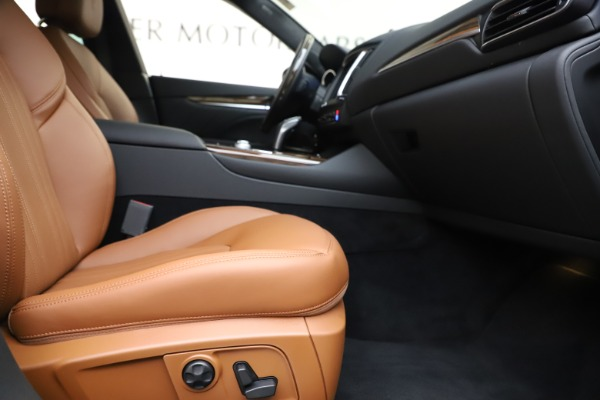 New 2020 Maserati Levante Q4 GranLusso for sale $86,935 at Rolls-Royce Motor Cars Greenwich in Greenwich CT 06830 23