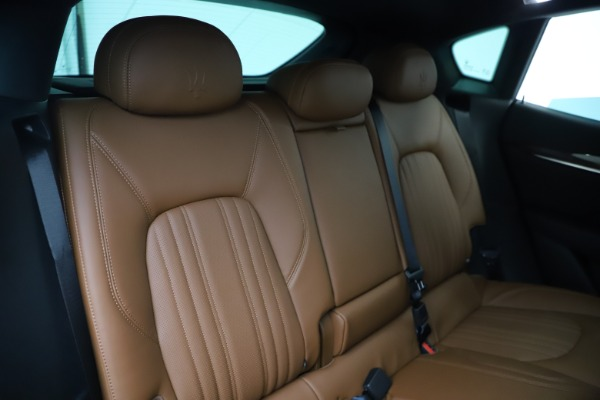 New 2020 Maserati Levante Q4 GranLusso for sale $86,935 at Rolls-Royce Motor Cars Greenwich in Greenwich CT 06830 26