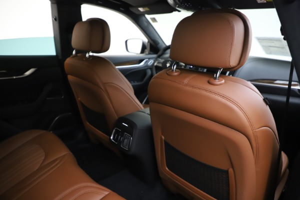New 2020 Maserati Levante Q4 GranLusso for sale $86,935 at Rolls-Royce Motor Cars Greenwich in Greenwich CT 06830 28