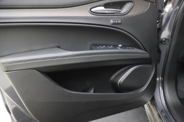 New 2019 Alfa Romeo Stelvio Ti Q4 for sale $51,090 at Rolls-Royce Motor Cars Greenwich in Greenwich CT 06830 17