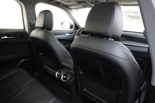 New 2019 Alfa Romeo Stelvio Ti Q4 for sale $51,090 at Rolls-Royce Motor Cars Greenwich in Greenwich CT 06830 28