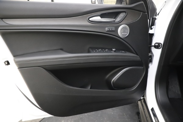 New 2019 Alfa Romeo Stelvio Ti Q4 for sale $51,490 at Rolls-Royce Motor Cars Greenwich in Greenwich CT 06830 17