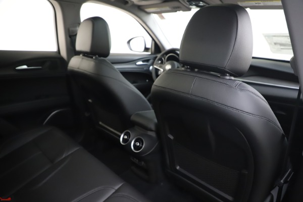 New 2019 Alfa Romeo Stelvio Ti Q4 for sale $51,490 at Rolls-Royce Motor Cars Greenwich in Greenwich CT 06830 28