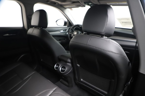 New 2019 Alfa Romeo Stelvio Ti Q4 for sale $51,840 at Rolls-Royce Motor Cars Greenwich in Greenwich CT 06830 28