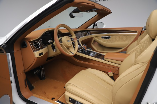 New 2020 Bentley Continental GTC V8 for sale $279,560 at Rolls-Royce Motor Cars Greenwich in Greenwich CT 06830 27