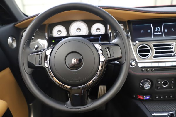 Used 2019 Rolls-Royce Dawn Black Badge for sale $349,900 at Rolls-Royce Motor Cars Greenwich in Greenwich CT 06830 24