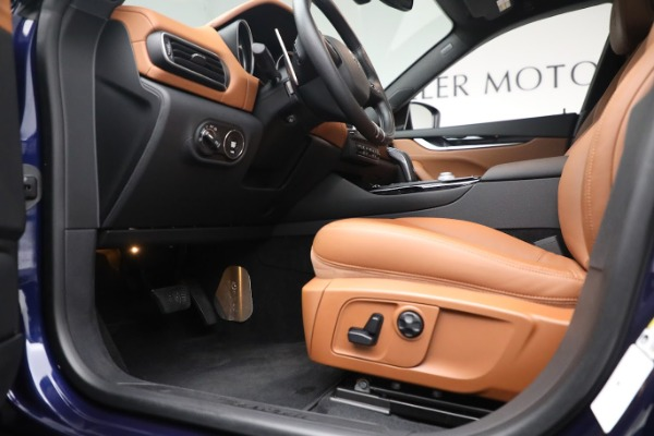 New 2020 Maserati Levante Q4 for sale $81,035 at Rolls-Royce Motor Cars Greenwich in Greenwich CT 06830 14