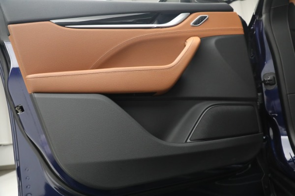 New 2020 Maserati Levante Q4 for sale $81,035 at Rolls-Royce Motor Cars Greenwich in Greenwich CT 06830 16