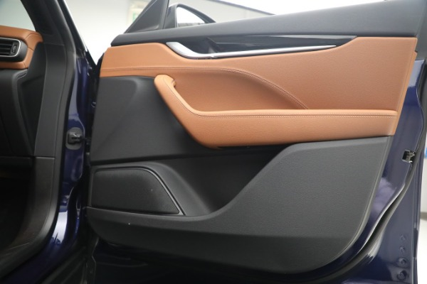 New 2020 Maserati Levante Q4 for sale $81,035 at Rolls-Royce Motor Cars Greenwich in Greenwich CT 06830 20