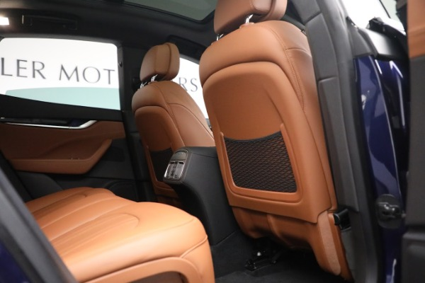 New 2020 Maserati Levante Q4 for sale $81,035 at Rolls-Royce Motor Cars Greenwich in Greenwich CT 06830 24