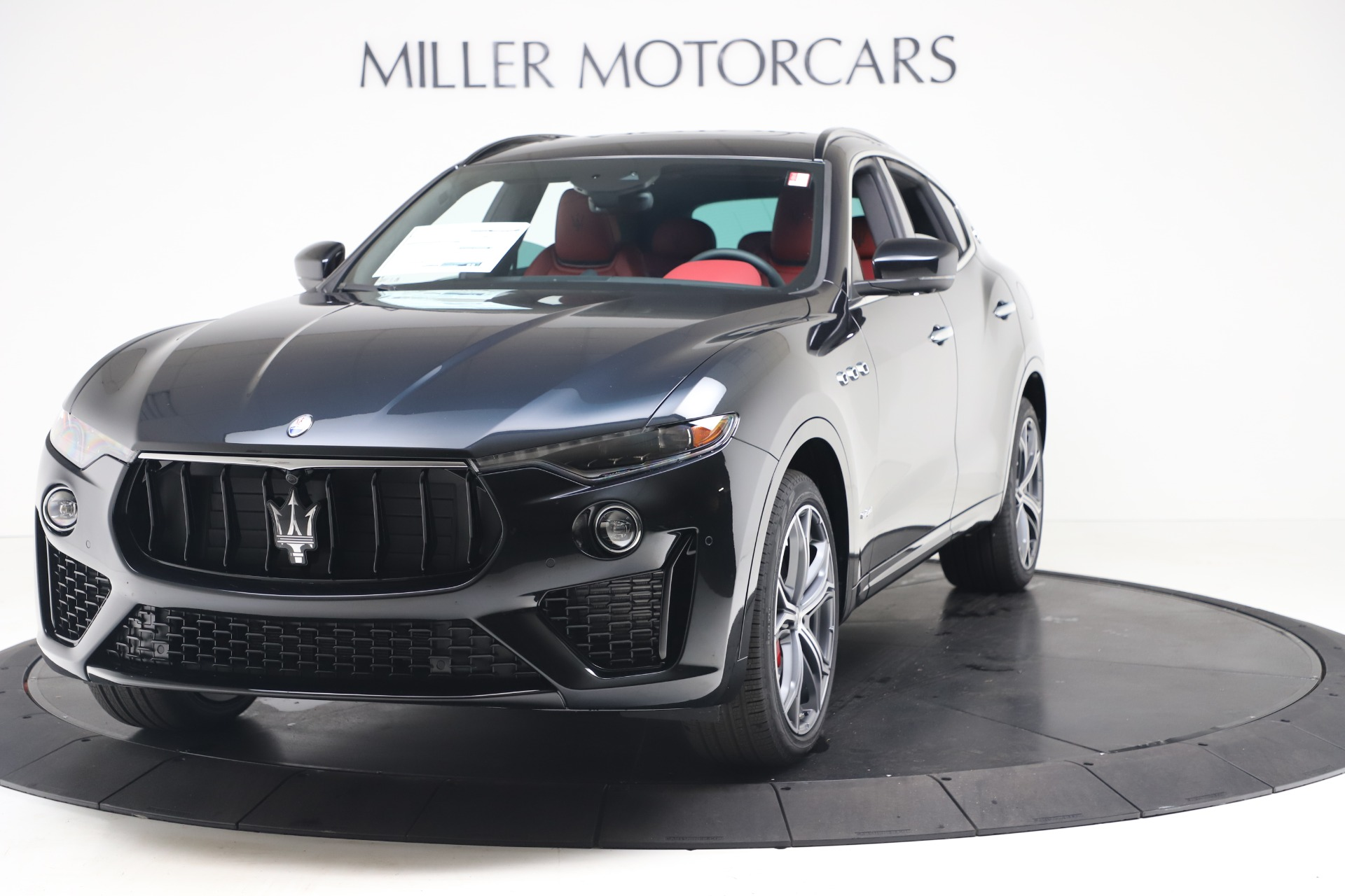 New 2020 Maserati Levante S Q4 GranSport for sale $103,585 at Rolls-Royce Motor Cars Greenwich in Greenwich CT 06830 1