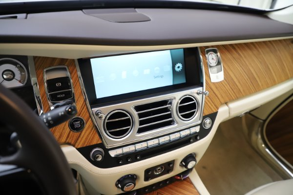 Used 2015 Rolls-Royce Wraith for sale $169,900 at Rolls-Royce Motor Cars Greenwich in Greenwich CT 06830 19