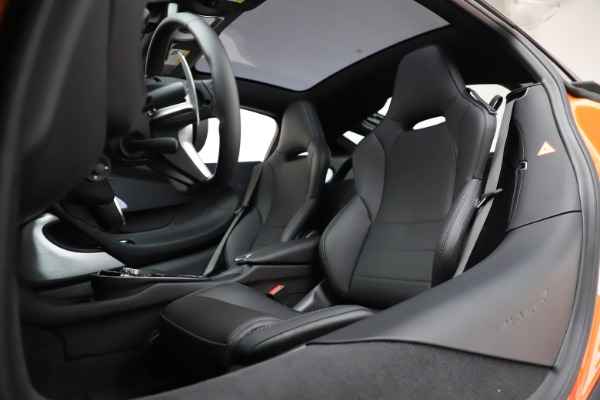 New 2020 McLaren GT Luxe for sale $246,975 at Rolls-Royce Motor Cars Greenwich in Greenwich CT 06830 21