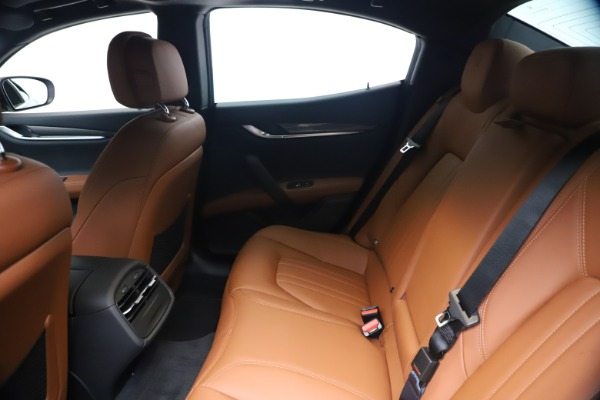 New 2020 Maserati Ghibli S Q4 for sale $85,535 at Rolls-Royce Motor Cars Greenwich in Greenwich CT 06830 19