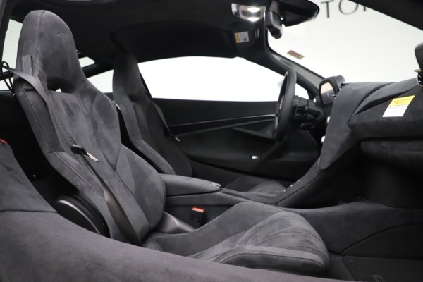 New 2020 McLaren 720S Coupe for sale $327,370 at Rolls-Royce Motor Cars Greenwich in Greenwich CT 06830 19