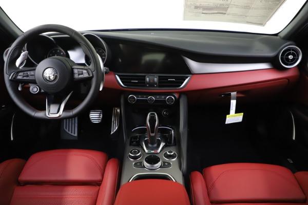 New 2020 Alfa Romeo Giulia Ti Sport Q4 for sale Sold at Rolls-Royce Motor Cars Greenwich in Greenwich CT 06830 15